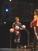 Die Fußballartisten Miriam Willems und Sebastian Heller