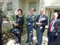 Frau Stephanie Flatow mit weiteren Ehrengästen