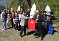 Flatow-Oberschule – Die Eliteschule des Sports macht Sport mit Flüchtlingen - Unterstützung eines Sozialprojektes durch die AOK-Gesundheitskasse
